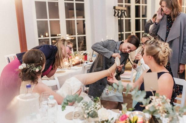 Hochzeit, Feier, Eröffnungstanz, Brautpaar