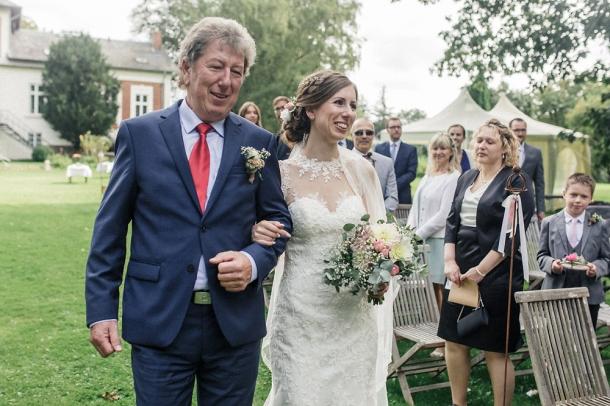 Hochzeit, Trauung, Brautpaar, Einmarsch