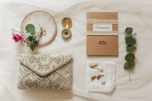 Hochzeit, Braut, Brautkleid, Getting Ready, Eheringe, Schmuck