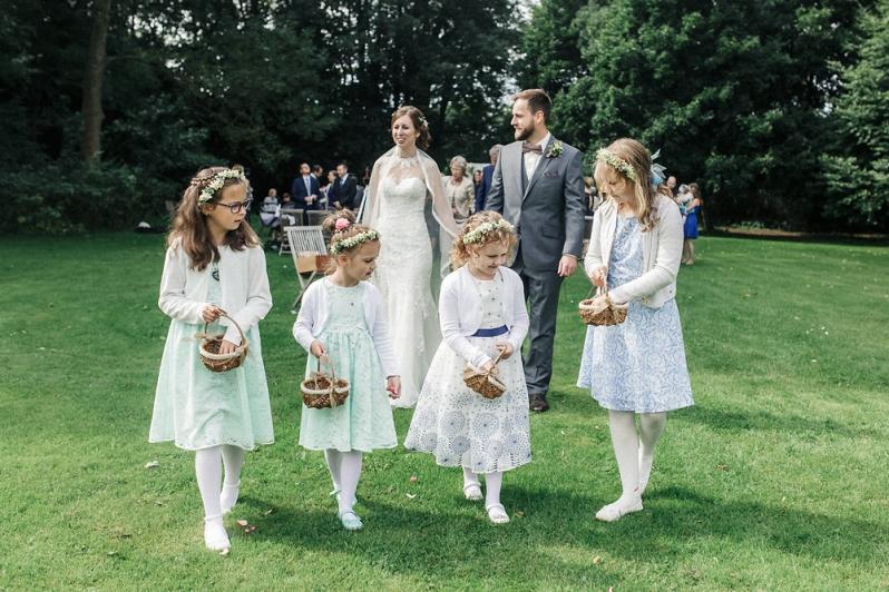 Hochzeit, Trauung, Blumenmädchen