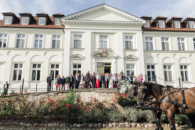 Hochzeit, Schloss Schorrsow, Brautpaar, Kutsche