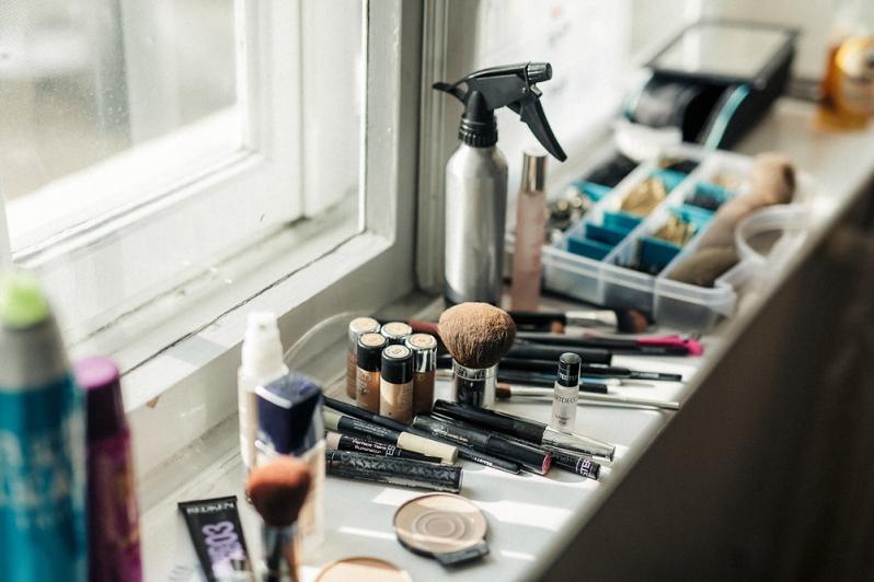 hochzeit, schloss hasenwinkel, rostock, hochzeitsfotograf, hochzeitsfotos, make up, getting ready