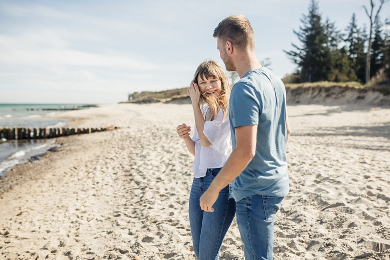 fotograf rostock, paarshooting am strand, pärchenfotos, verlobungsshooting, engagement
