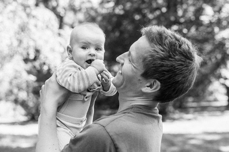 familienbilder, natürliche familienfotos, kinderfotos, emotionale babyfotos, familienbilder in der natur, familienfotograf rostock